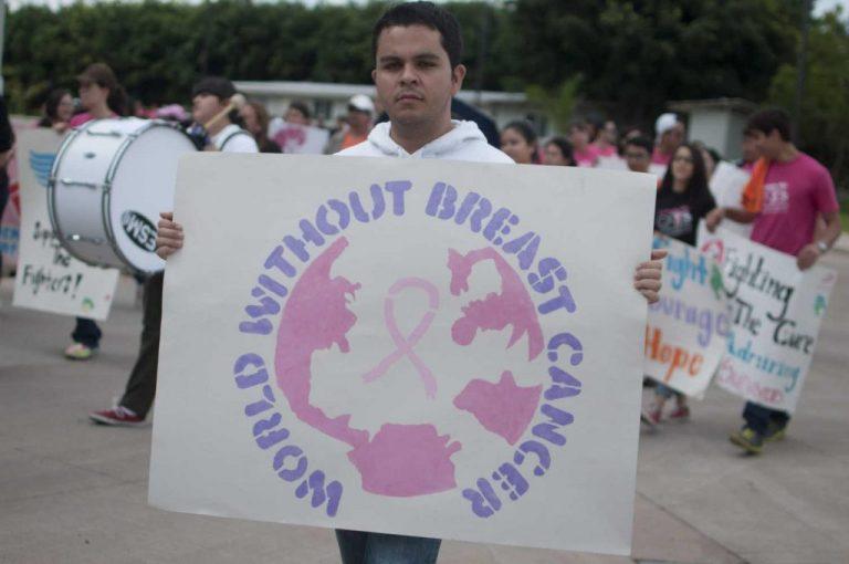 """""""El mundo sin cáncer de mama""""/Gustavo Amador"""