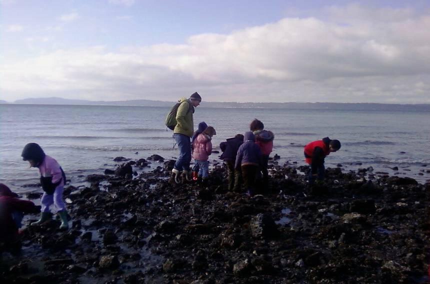 CC BY 2.0 Seattle Parks & Recreation – Preschoolers play along the Washington coast